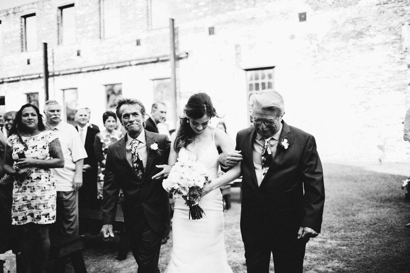 michellescottphotography-brittany+paul_atlanta_wedding_photographers_railroad_museum_wedding_savannah-124