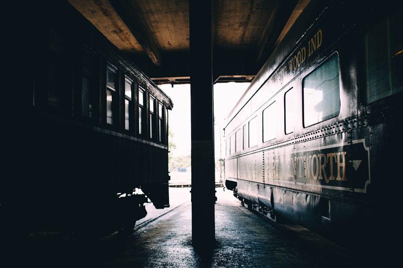 michellescottphotography-brittany+paul_atlanta_wedding_photographers_railroad_museum_wedding_savannah-5